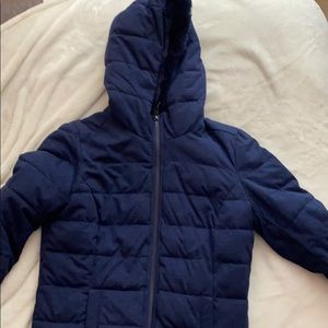 Jacket lined with fleece on the inside.